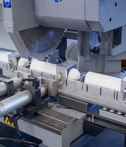 Automatic circular sawing machine for metals | © MEP S.p.A. - Circular and band sawing machines to cut metals