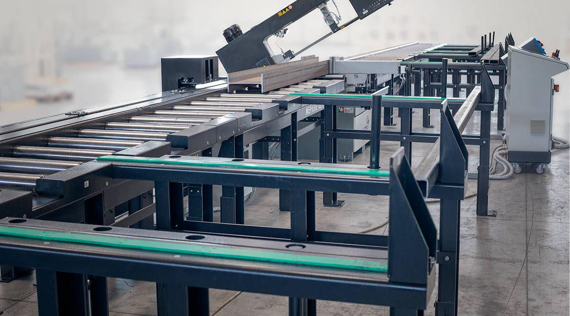 Cutting system to cut beams and bundles of metal tubes | © MEP S.p.A. - Circular and band sawing machines to cut metals